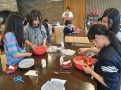 고창 유기낙농조합, 지역아동 초청 상하농원서 제빵 체험 진행