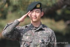 """'모범병사' 옥택연, 오늘(16일) 만기 전역…""""2PM·트와이스 보고싶었다"""""""