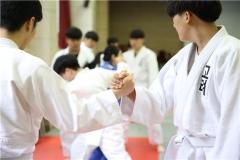 고려직업전문학교 경찰경호학과 전공, tvN '수미네 반찬' 경호 담당