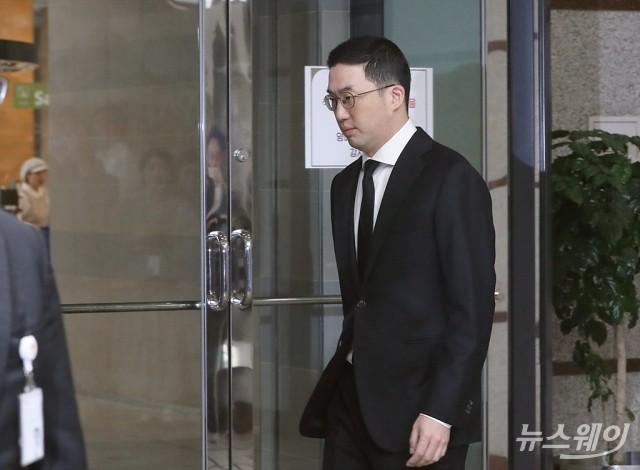 [NW포토]故 구본무 LG그룹 회장 1주기 추모식 참석하는 구광모 LG 회장