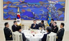 """문 대통령 """"한미동맹, 동북아 전체 평화·안정을 위한 큰 역할"""""""