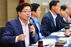 """염태영 수원시장 """"시민대토론회 열어 버스 문제 근본대책 찾아야"""""""
