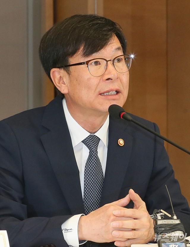 """[NW포토]'중견 대기업 CEO' 불러모은 김상조 위원장…""""일감 몰아주기 용납 안 돼"""""""