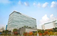 삼성디스플레이, 대형 OLED 투자여부 내달 결정