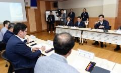 이낙연 국무총리·이화영 경기도부지사, 접경지역 '아프리카돼지열병' 방역상황 점검