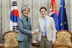 강경화 외교부 장관, 세르비아 방문…실종자 수색 지원 요청