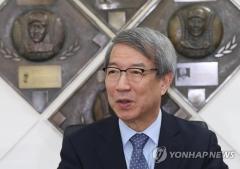 "KBO 정운찬 총재, 류현진·추신수에 축하 서신…""뭉클하다"""
