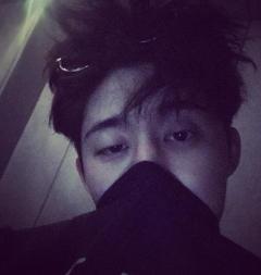 """'아이콘' 비아이, 마약 구매 의혹…YG """"확인 후 공식입장"""""""