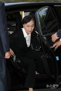명품 등 '밀수' 혐의 한진家 이명희 조현아 모녀 1심공판