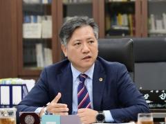 서울시의회 신원철 의장, '지방의회 시민청원제도' 손본다
