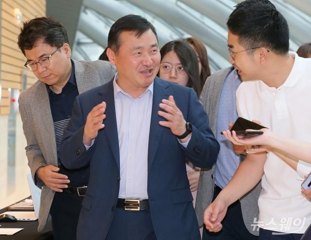 [NW포토]노태문 삼성전자 사장, 민관합동 '5G+ 전략위원회 회의'참석