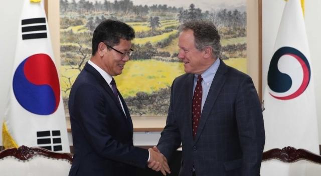 쌀 5만t 대북 식량지원 통해 협상재개 모색 나선다
