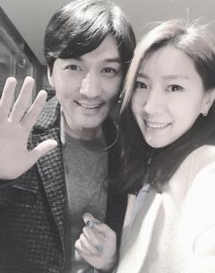"""이필모, 아내 서수연 임신 첫 공식 인정…""""작은 필모의 아버지 됐다"""""""