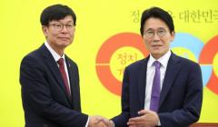 """국회 찾은 김상조, 여야 지도부 예방···""""홍남기와 원보이스""""(종합)"""