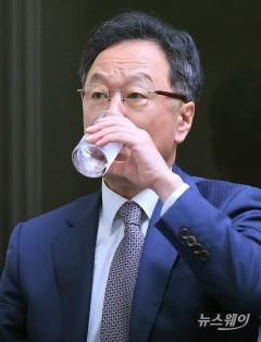 법원, '인보사사태' 이우석 코오롱생명과학 대표 자택 가압류