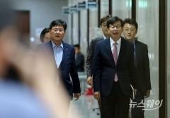 노영민·김상조·정의용 '靑 3대 실장', 오늘 국회 운영위 전체회의 출석 예정