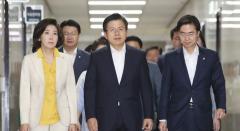 한국당, 또다시 계파갈등…비박 vs 친박, 자리다툼 논란
