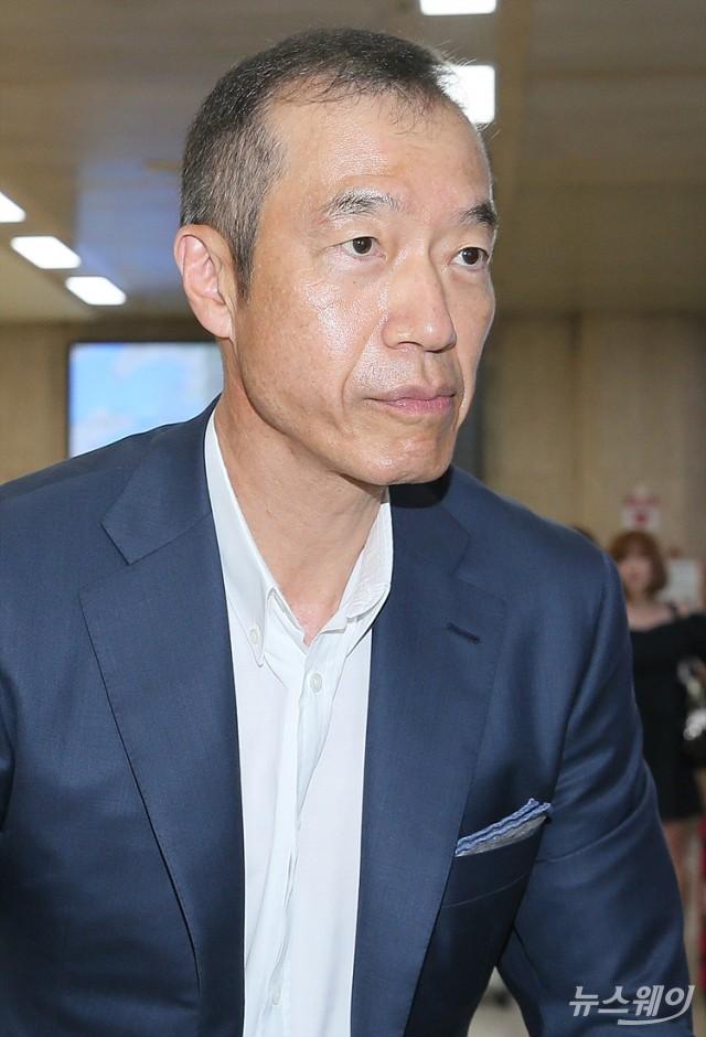 [NW포토]최치훈 삼성물산 사장, 일본에서 김포국제공항 통해 귀국