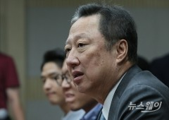 """한·아세안 정상과 CEO 700여명 만남…박용만 """"경제 동반 협정 발효해야"""""""