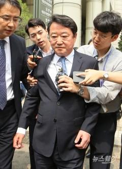 이웅열 전 코오롱 회장 '차명주식' 벌금형 3억 선고