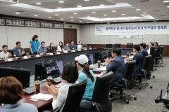 """한국마사회, 방역직무 종사자 '힐링승마'…""""심리상태 긍정적 변화 입증"""""""