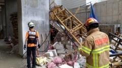 속초 아파트 공사현장서 승강기 추락…3명 사망·2명 부상