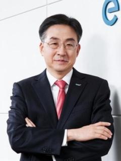 홍원식 전 이베스트투자증권 대표, 15억원 수령