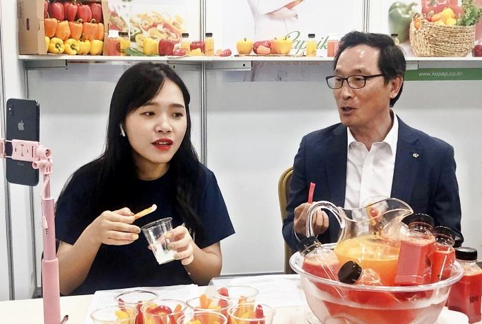 aT, '88 왕홍 박람회' 참가 왕홍군단과 수출유망 농식품 중국 전역 '생중계 홍보'