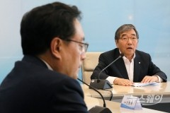 우리금융 이사회, 손태승 연임지지…윤석헌式 관치금융에 대한 거부감