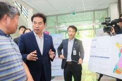 백군기 용인시장, '반도체 클러스터 예정지' 주민 의견 청취