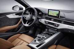 아우디 A5 45 TFSI 콰트로, 편리한 안전 사양 탑재