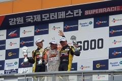 한국타이어, 포디엄 '휩쓸다'…CJ ENM 모터스포츠 '우승'(2보)