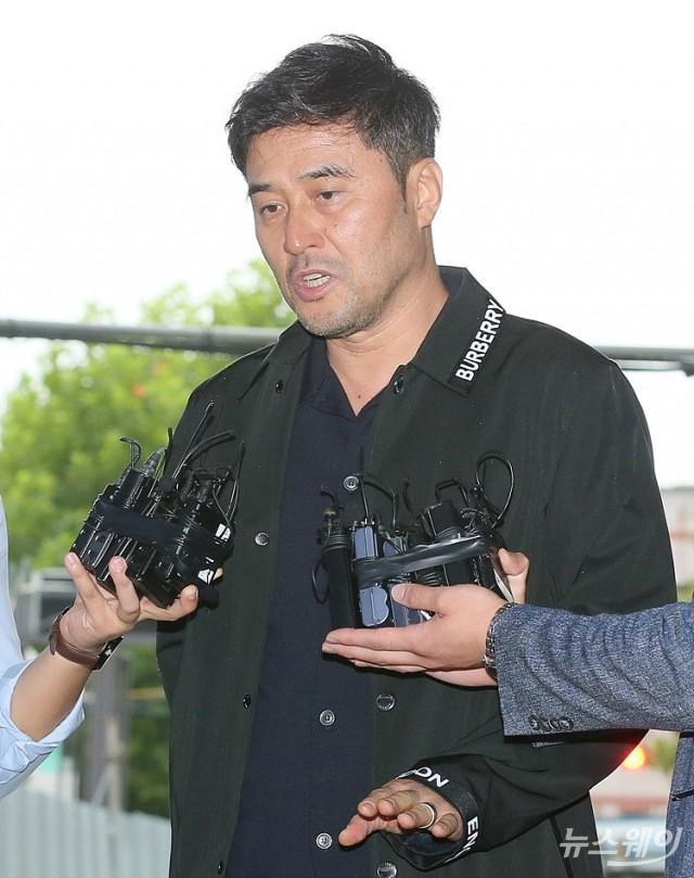 [NW포토]'보복운전 혐의' 최민수 1심 선고 공판 출석