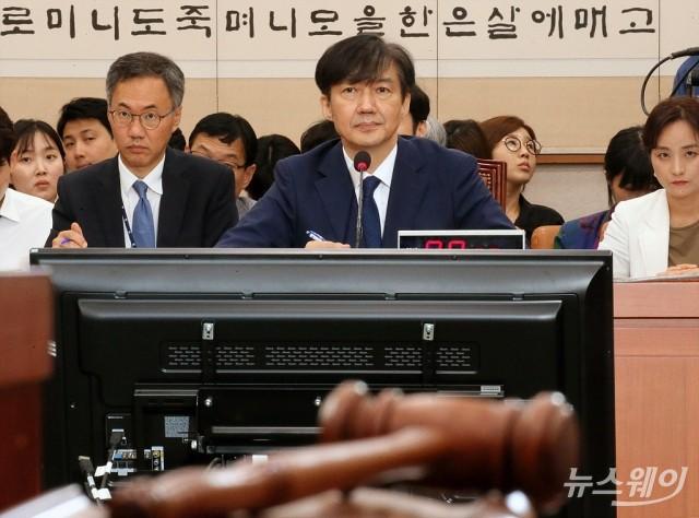 [행간뉴스]'조국 펀드'에 시끌···PEF '출자약정액'이 뭐길래
