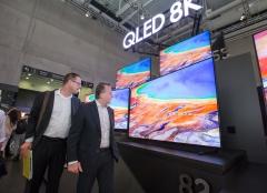 삼성, 8K 프리미엄TV 질주···빠르게 반격나선 LG