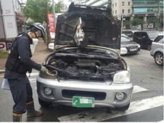 부산서 달리던 SUV에 불…인명피해 없어