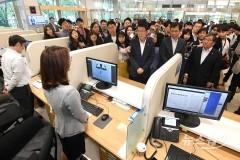 은성수 금융위원장과 윤석헌 금융감독원장 첫 회동