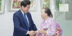 김상돈 의왕시장, 노인재능나눔활동 교육 참가 어르신 격려