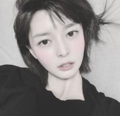 권나라, 예능 출연 한 번에 관심집중…'헬로비너스' 출신 1991년생