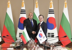 """문 대통령, 불가리아 총리와 정상회담…""""양국 에너지 협력 잠재력 크다"""""""