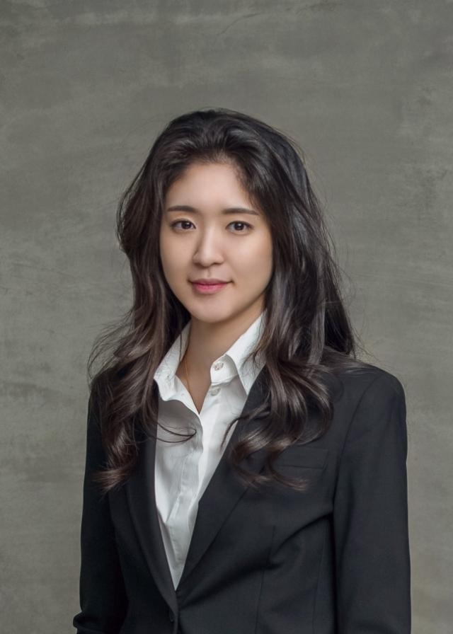 아모레 3세 서민정-보광 3세 홍정환 오늘 약혼…가족 간 혼맥도 주목