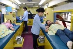 아주대병원 교직원, 국내 혈액보유량 감소에 '자발적 헌혈' 나서
