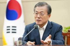 문 대통령 지지도 48%…국정수행 '외교' 평가 높아