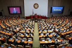 작년 예산안, 한국당 보이콧에 '깜깜이'…올해는 '현미경 심사' 예상