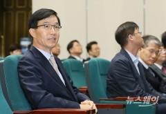 """전문성 우려 불식 나선 방문규 """"예산은 '숫자' 아니다"""""""