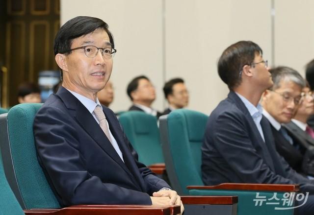 """[현장에서]전문성 우려 불식 나선 방문규 """"예산은 '숫자' 아니다"""""""
