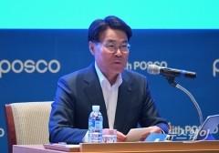최정우 포스코 회장 내달 2기 출범, '안전·수소' 방점···100년 기업 만든다