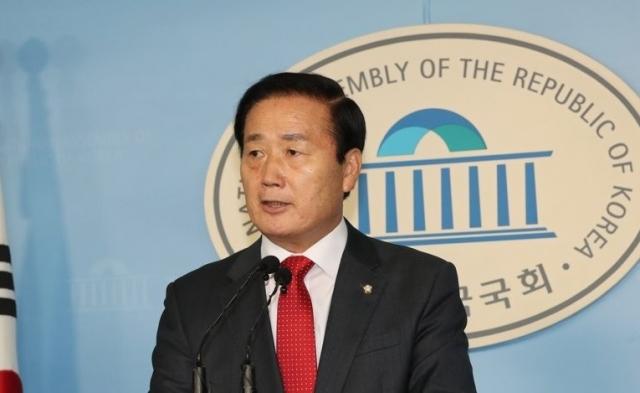 """김성찬 """"이대로 있어선 안 된다""""…한국당서 3번째 총선 불출마 선언"""