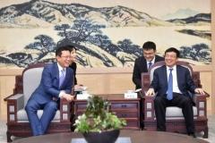박남춘 인천시장, 中 웨이하이 서기 만나...한·중FTA 지방경제협력 기대