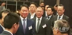 """SK·현대차 中투자에 관심집중···최태원 '묵묵부답'·정의선 """"다음에"""""""